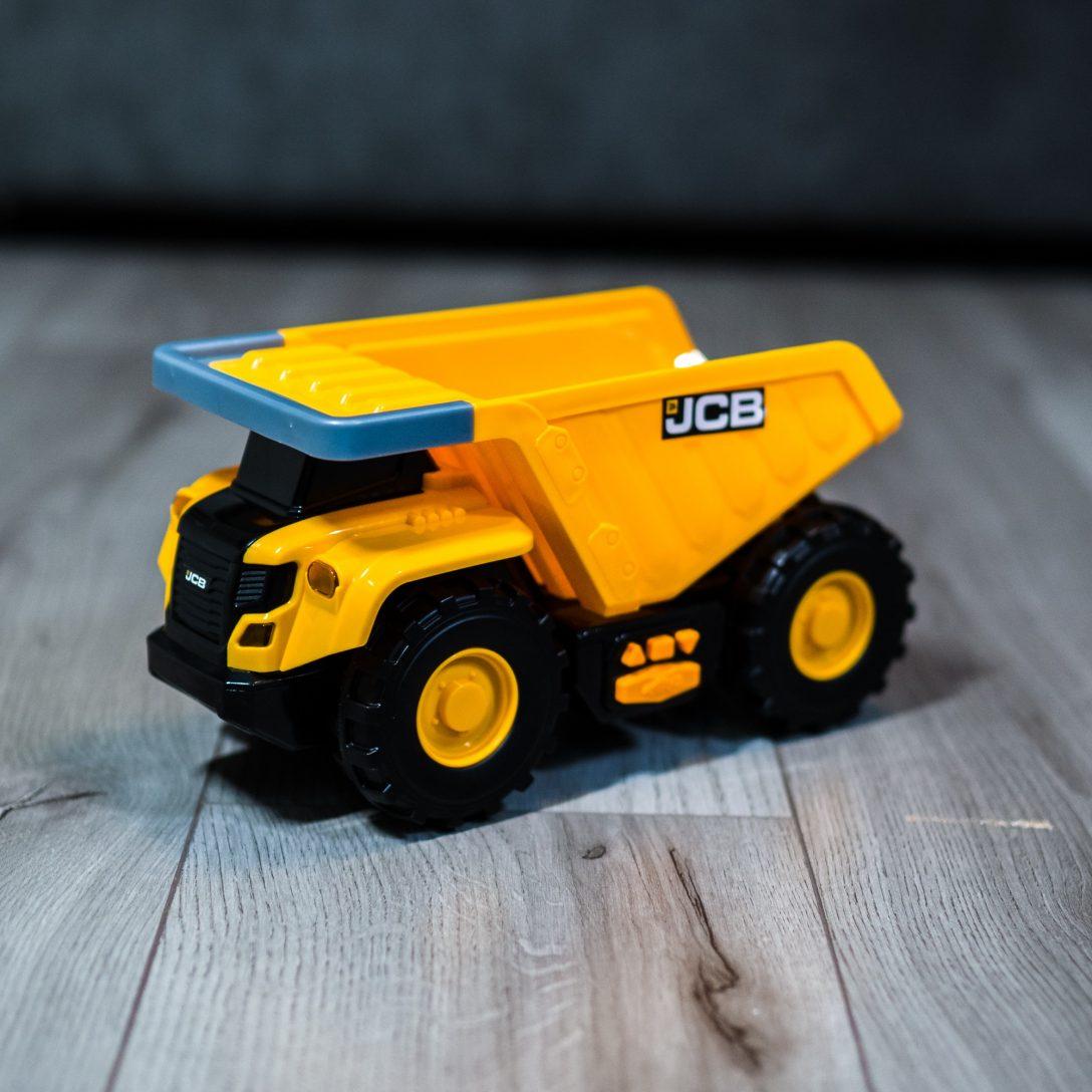 Mighty Moverz JCB Dumptruck toy
